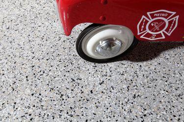 flake-concrete-floor